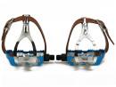 Blaue Rennrad Fahrrad Pedale mit Retro Pedalhaken und...